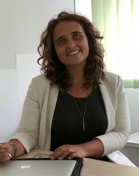 Aurelia Guzzo effettua agopuntura presso Centro Mindfulness
